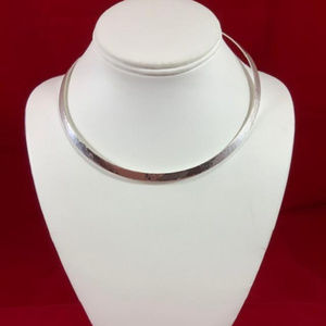 James Avery RETIRED 925 Hammered Classic Collar